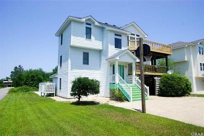 Currituck County Single Family Home For Sale: 745 E Sandpiper Court