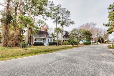 Kill Devil Hills Single Family Home For Sale: 807 Cedar Drive