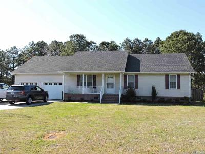 Elizabeth City Single Family Home For Sale: 305 Betty Drive