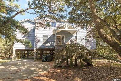Southern Shores Single Family Home For Sale: 30 Circle Drive