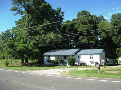 Currituck County Single Family Home For Sale: 8457 Caratoke Highway