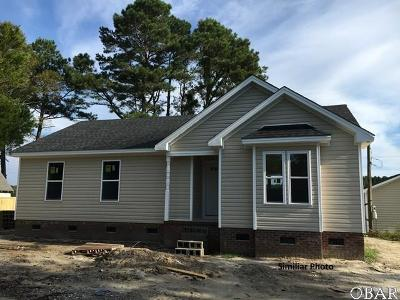 Currituck County Single Family Home For Sale: 105 Edgewater Drive