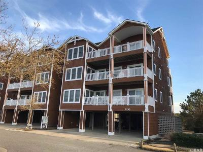 Condo/Townhouse For Sale: 802 South Bay Club Drive