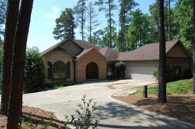 Single Family Home Sold: 958 Water Oak Place
