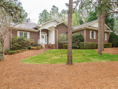 Southern Pines Single Family Home For Sale: 36 Talamore Dr.