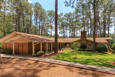 Aberdeen, Cameron, Carthage, Eagle Springs, Eastwood, Foxfire, Jackson Springs, Lakeview, Pinebluff, Pinehurst, Robbins, Seven Lakes, Southern Pines, Vass, West End, Whispering Pines, Woodlake Single Family Home For Sale: 177 Cross Country Lane