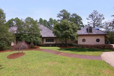 Moore County Single Family Home For Sale: 810 Lake Dornoch Drive