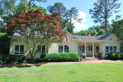 Southern Pines Single Family Home Active/Contingent: 305 Highland Road