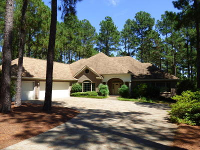 Southern Pines Single Family Home For Sale: 14 Masters Ridge
