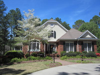 Southern Pines Single Family Home For Sale: 8 Augusta Drive