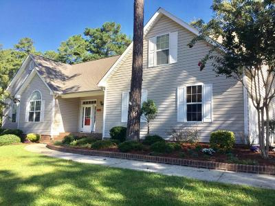 Southern Pines Single Family Home For Sale: 255 W Hedgelawn Way