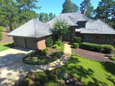 Moore County Single Family Home For Sale: 11 Granger Dr