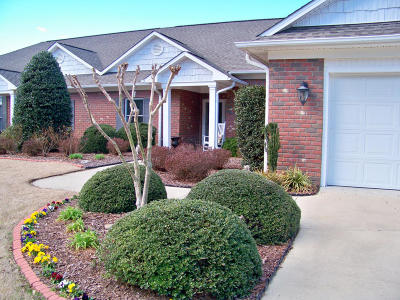 Whispering Pines Condo/Townhouse Active/Contingent: 29 Winding Trail