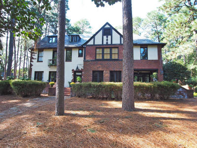 Southern Pines Single Family Home For Sale: 260 S Valley Road