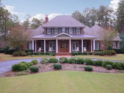 Southern Pines Single Family Home For Sale: 123 Pinefield Court