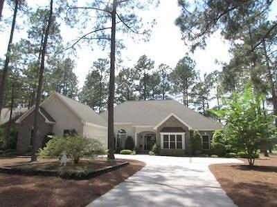 Southern Pines Single Family Home For Sale: 34 Augusta Drive