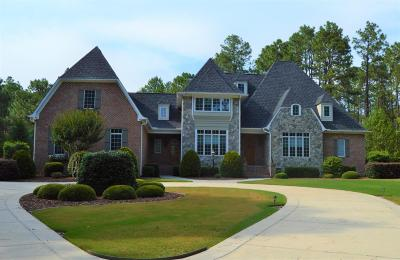 Moore County Single Family Home For Sale: 60 Quail Hollow Drive