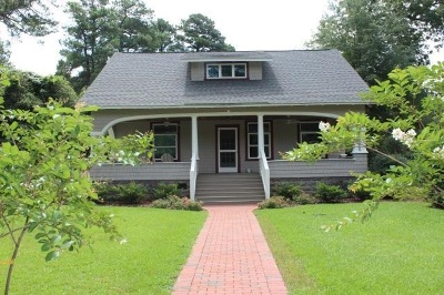 Southern Pines Single Family Home Active/Contingent: 125 S Ashe Street