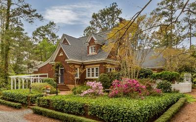 Southern Pines Single Family Home For Sale: 140 Pinegrove Rd