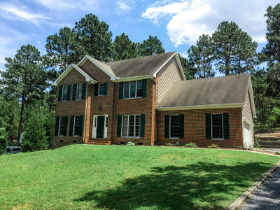 Southern Pines Single Family Home For Sale: 318 Stornoway Drive