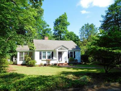Southern Pines NC Single Family Home Sold: $205,000