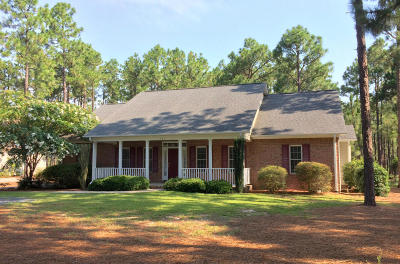 Moore County Single Family Home For Sale: 341 Longleaf Drive