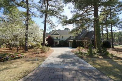 Southern Pines Single Family Home For Sale: 197 Plantation Drive