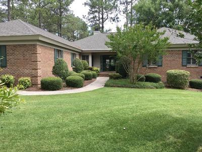 Southern Pines Single Family Home For Sale: 52 Highland View Drive
