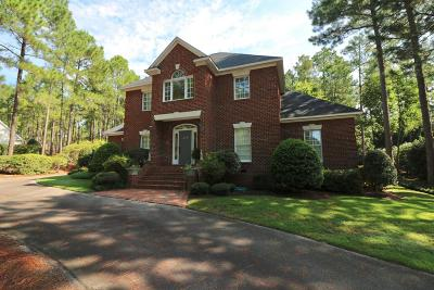 Southern Pines Single Family Home For Sale: 216 Plantation Drive