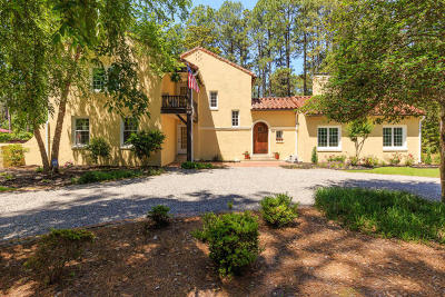 Southern Pines Single Family Home For Sale: 290 Becky Branch Road