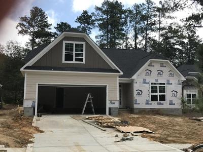 Southern Pines Single Family Home For Sale: 385 N Bracken Fern Lane