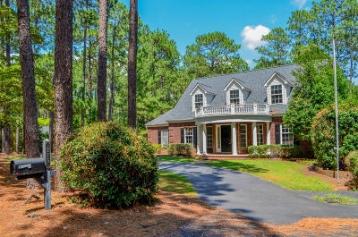 Southern Pines Single Family Home For Sale: 275 Becky Branch Road