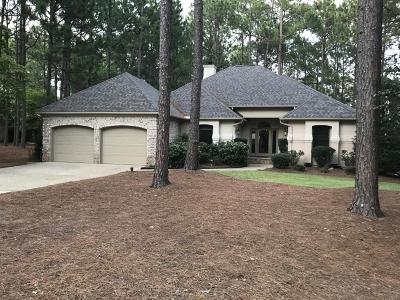 Southern Pines Single Family Home For Sale: 25 E Augusta Drive