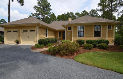 Southern Pines Single Family Home For Sale: 275 Champions Ridge