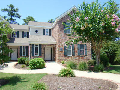 Southern Pines Condo/Townhouse For Sale: 1737 Woodbrooke Drive