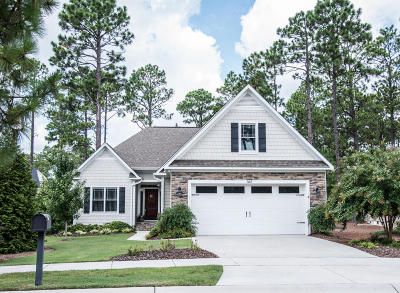Southern Pines Single Family Home For Sale: 145 N Bracken Fern Lane