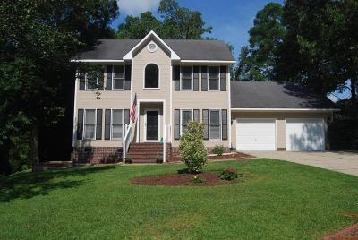 Fayetteville Single Family Home For Sale: 320 Bahama Loop