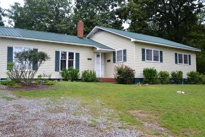 Moore County Rental For Rent: 530 E Delaware Avenue