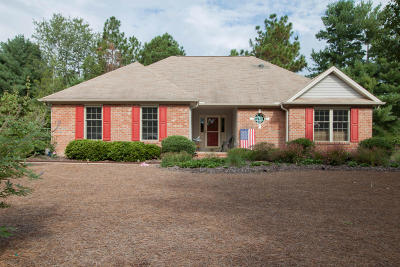 Seven Lakes, West End Single Family Home For Sale: 115 Fox Run Court