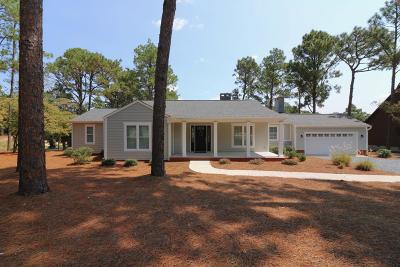 Southern Pines Single Family Home For Sale: 595 Central Drive