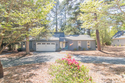 Pinehurst Single Family Home For Sale: 220 Oakmont Circle