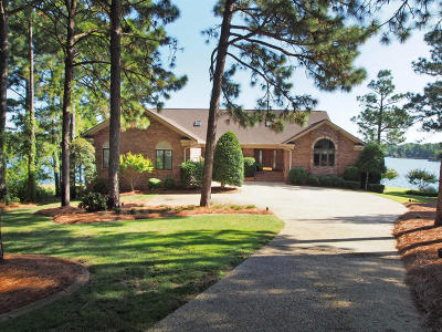 Aberdeen, Cameron, Carthage, Eagle Springs, Eastwood, Foxfire, Jackson Springs, Lakeview, Pinebluff, Pinehurst, Robbins, Seven Lakes, Southern Pines, Vass, West End, Whispering Pines, Woodlake Single Family Home For Sale: 106 Cook Point