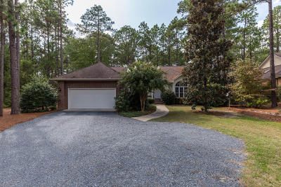 Southern Pines Single Family Home For Sale: 5 Scots Glen Drive