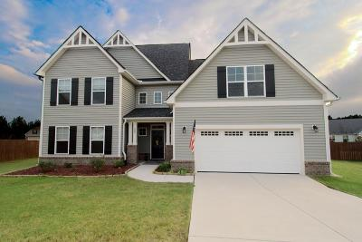 Moore County Single Family Home For Sale: 105 Courtyard Circle