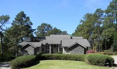 Moore County Single Family Home For Sale: 15 Quail Hollow Drive