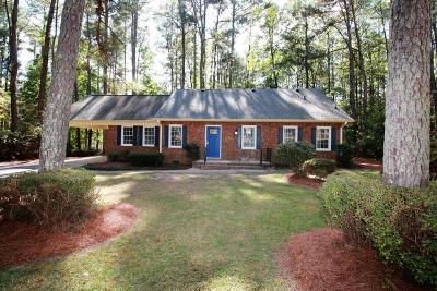 Southern Pines Single Family Home Active/Contingent: 904 N Glenwood Trail