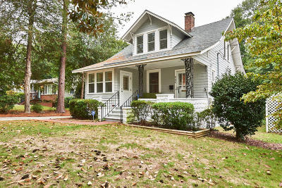 Southern Pines Single Family Home For Sale: 240 E Connecticut Avenue