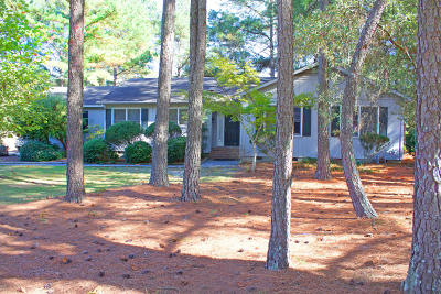 Southern Pines Single Family Home For Sale: 150 Tella Drive