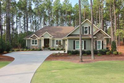 Southern Pines Single Family Home For Sale: 220 Kings Ridge