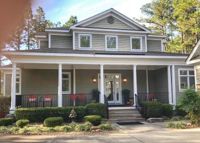 Southern Pines Single Family Home For Sale: 14 Cherry Hill